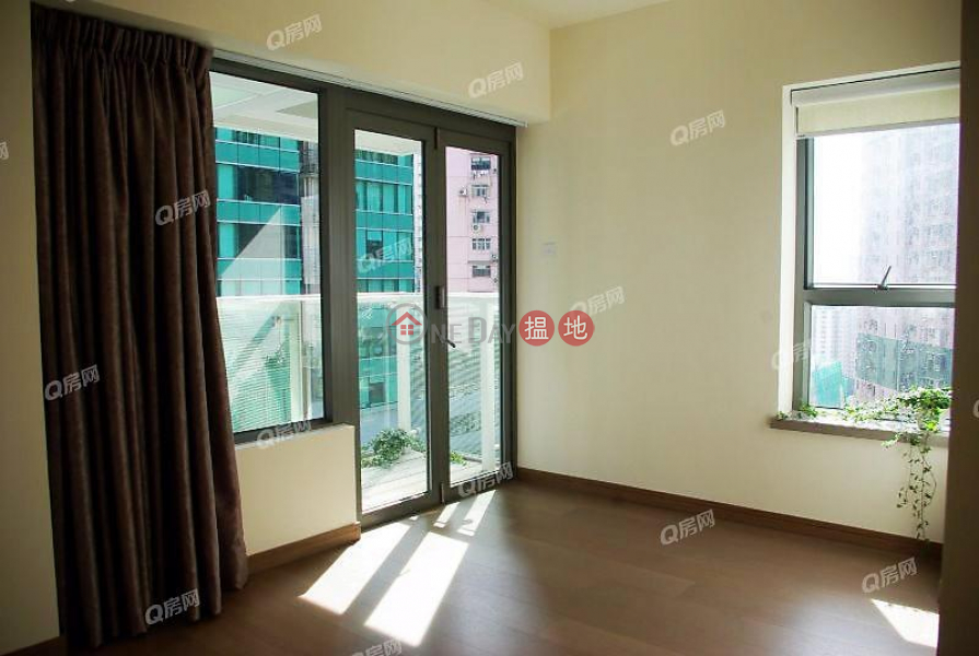 Centre Point Middle | Residential | Rental Listings | HK$ 32,000/ month