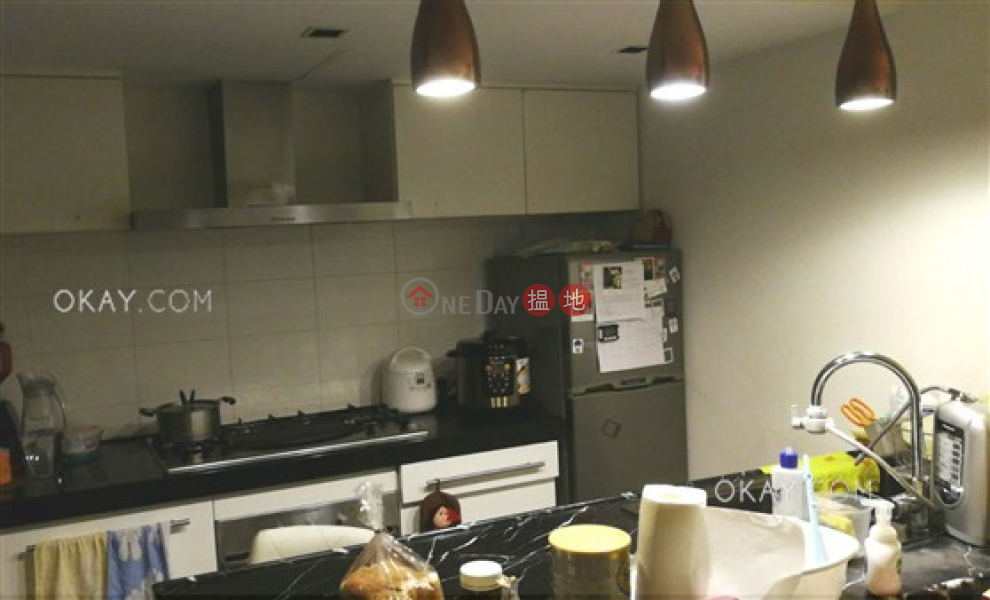 HK$ 13M, Bonham Crest, Western District, Popular 2 bedroom with terrace | For Sale
