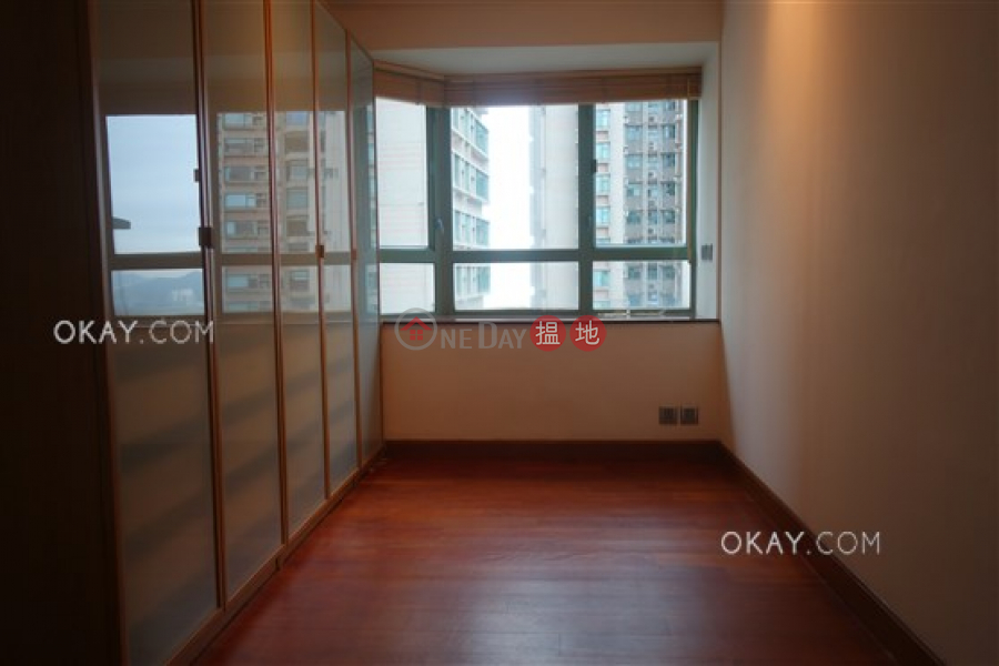 HK$ 35,000/ month, Goldwin Heights | Western District, Stylish 2 bedroom on high floor with rooftop | Rental