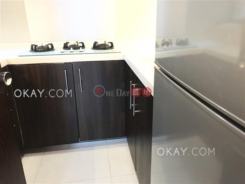Nicely kept 2 bedroom in Mid-levels West | Rental | Casa Bella 寶華軒 Rental Listings