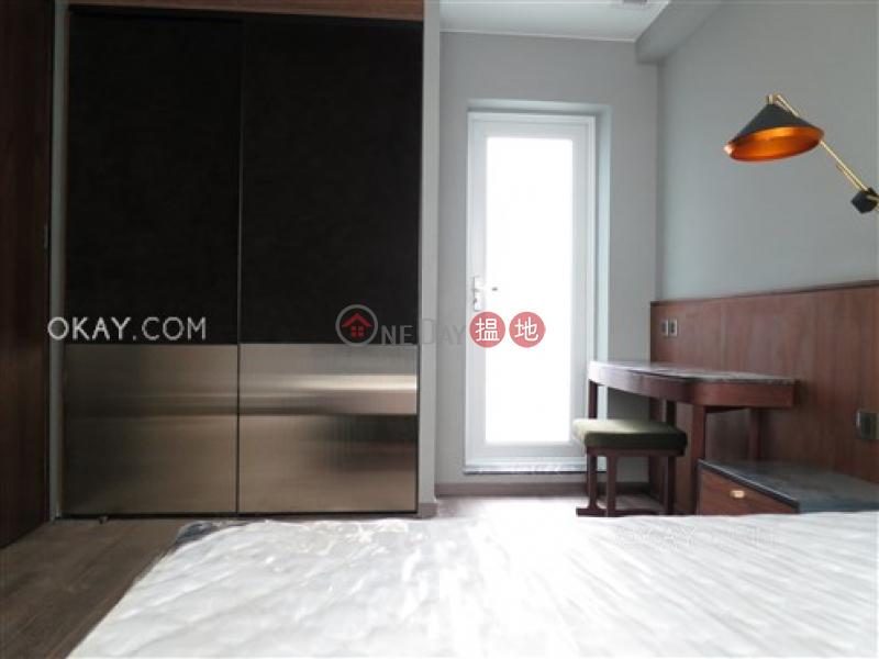 1房1廁,極高層,露台《卑利街66號出租單位》|卑利街66號(66 Peel Street)出租樓盤 (OKAY-R318174)