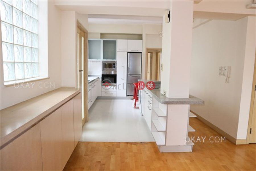 Property Search Hong Kong | OneDay | Residential, Rental Listings Elegant 3 bedroom with balcony & parking | Rental