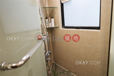 Popular 1 bedroom with parking | For Sale|Claymore Court(Claymore Court)Sales Listings (OKAY-S78719)_0