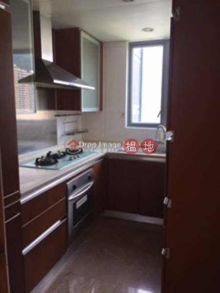 3 Bedroom Family Flat for Sale in Mid Levels West | Realty Gardens 聯邦花園 Sales Listings