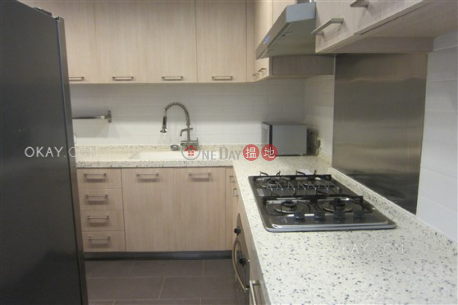 Efficient 3 bedroom with balcony & parking | Rental | South Garden Mansion 南園大廈 Rental Listings