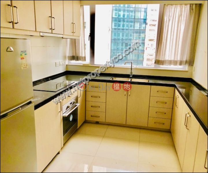 Property Search Hong Kong | OneDay | Office / Commercial Property | Rental Listings, Nice decorated home office in Sheung Wan