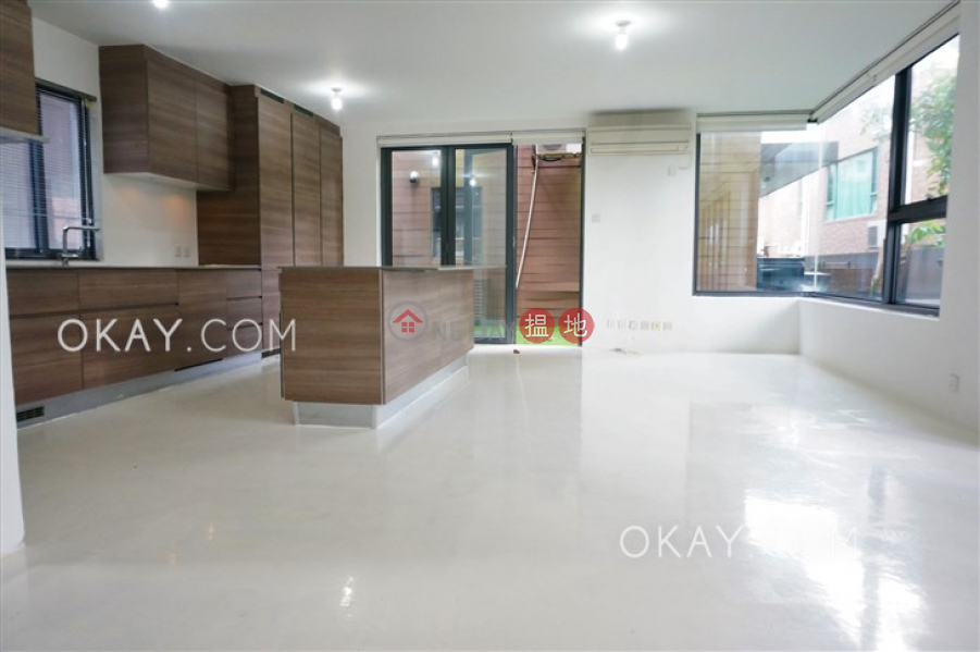 Luxurious house with rooftop, terrace & balcony | For Sale | 48 Sheung Sze Wan Village 相思灣村48號 Sales Listings