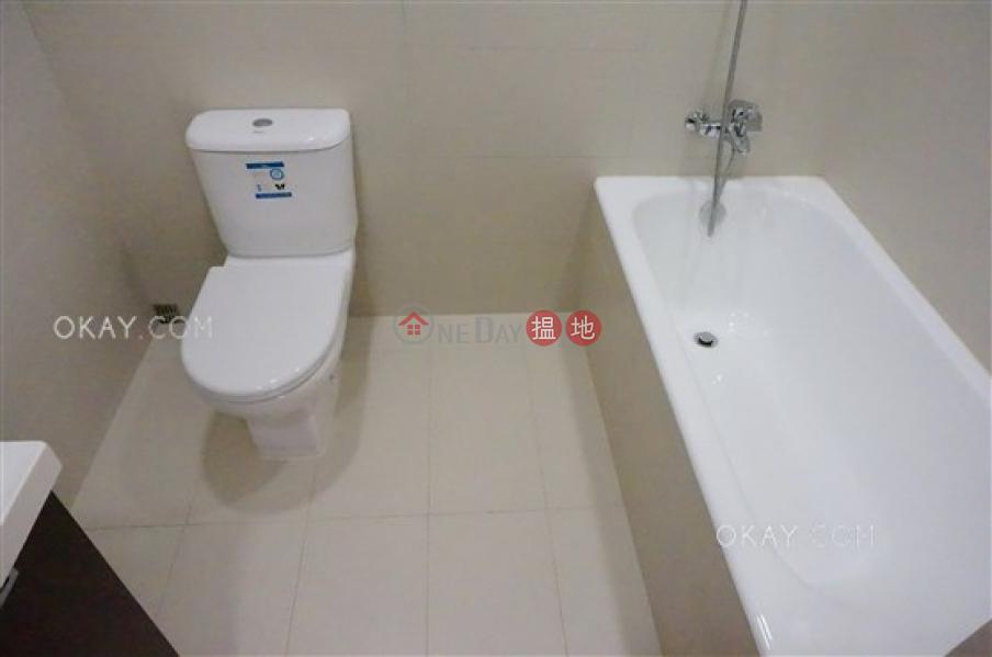 HK$ 3,200萬-峰景大廈|東區3房2廁,實用率高,連車位,露台《峰景大廈出售單位》