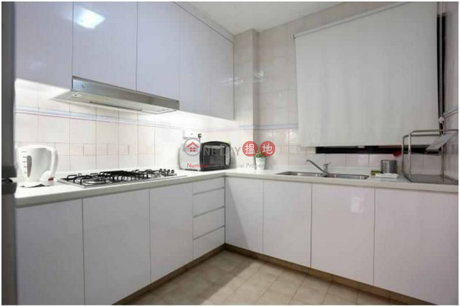 HK$ 13,200/ month | 15 St Francis Street | Wan Chai District, Beautiful apartment in 15 Francis St, Wan Chai