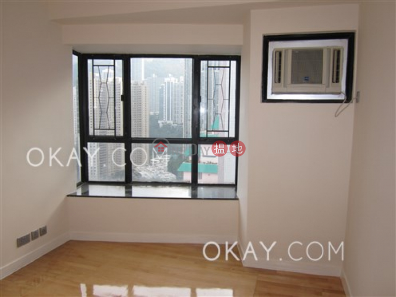 Property Search Hong Kong | OneDay | Residential | Sales Listings | Luxurious penthouse with harbour views & rooftop | For Sale