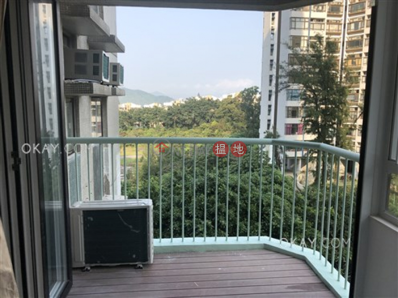 Unique 3 bedroom with balcony   For Sale, Discovery Bay, Phase 5 Greenvale Village, Greenery Court (Block 1) 愉景灣 5期頤峰 靖山閣(1座) Sales Listings   Lantau Island (OKAY-S299105)