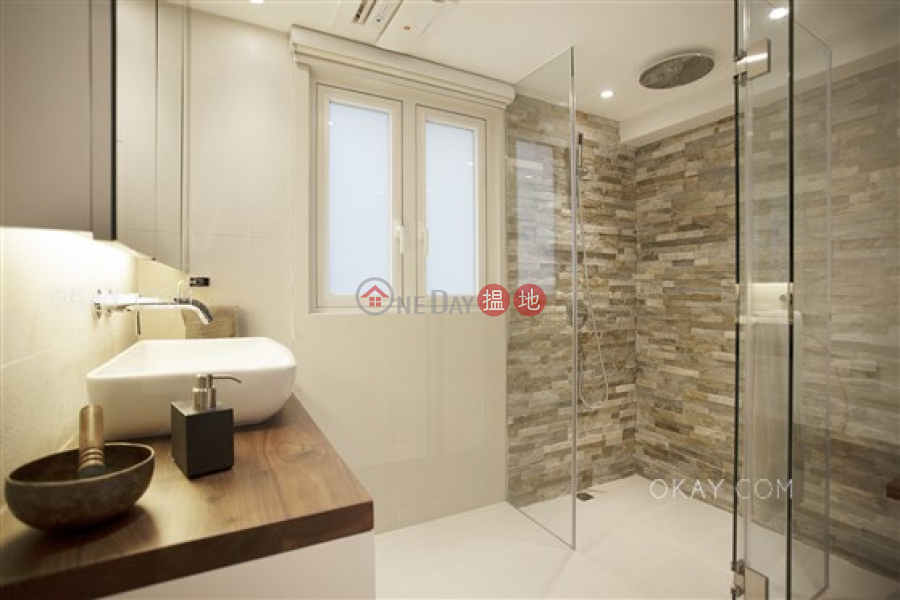 HK$ 43,000/ month | Piu Chun Building Western District Nicely kept 1 bedroom with balcony | Rental