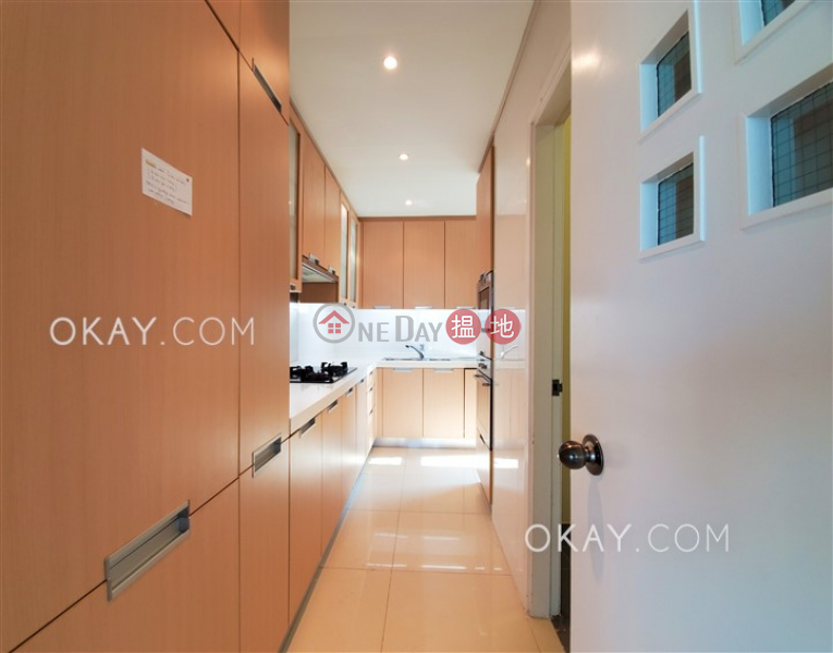 HK$ 66,000/ month, Hillsborough Court Central District, Beautiful 3 bedroom with parking | Rental