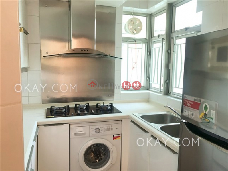 Property Search Hong Kong | OneDay | Residential Sales Listings | Charming 3 bedroom on high floor with sea views | For Sale