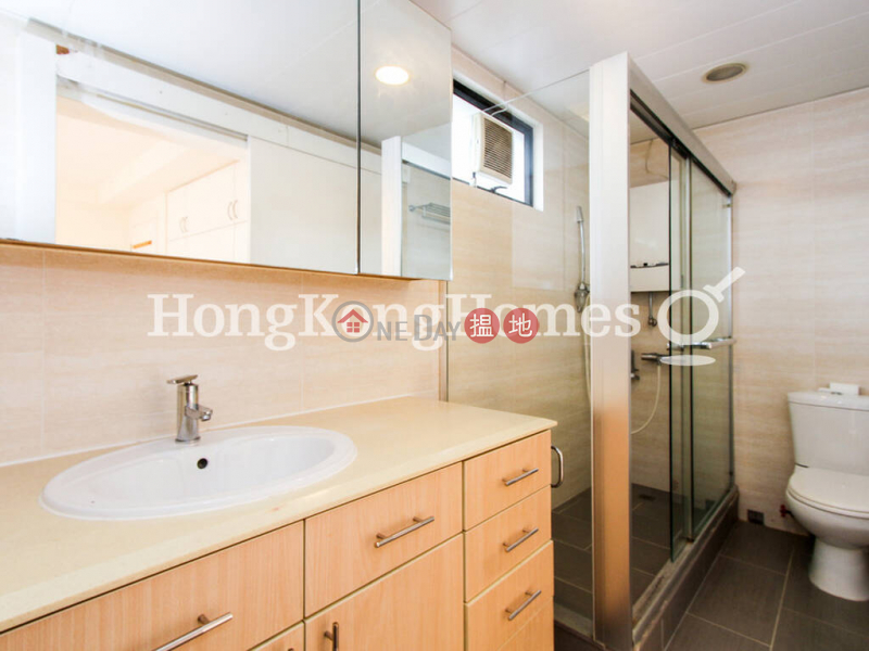 3 Bedroom Family Unit for Rent at Wing Cheung Court | Wing Cheung Court 穎章大廈 Rental Listings