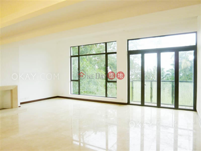 Beautiful house with balcony & parking | Rental | Strawberry Hill 紅梅閣 Rental Listings