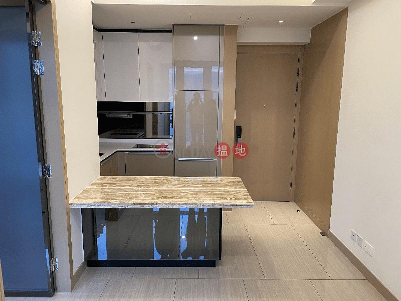 香港搵樓|租樓|二手盤|買樓| 搵地 | 住宅-出租樓盤-匯璽一房高層連露台 業主盤免佣 (381呎, 有部份傢俬, 包水費, 明廁) 6個月短租