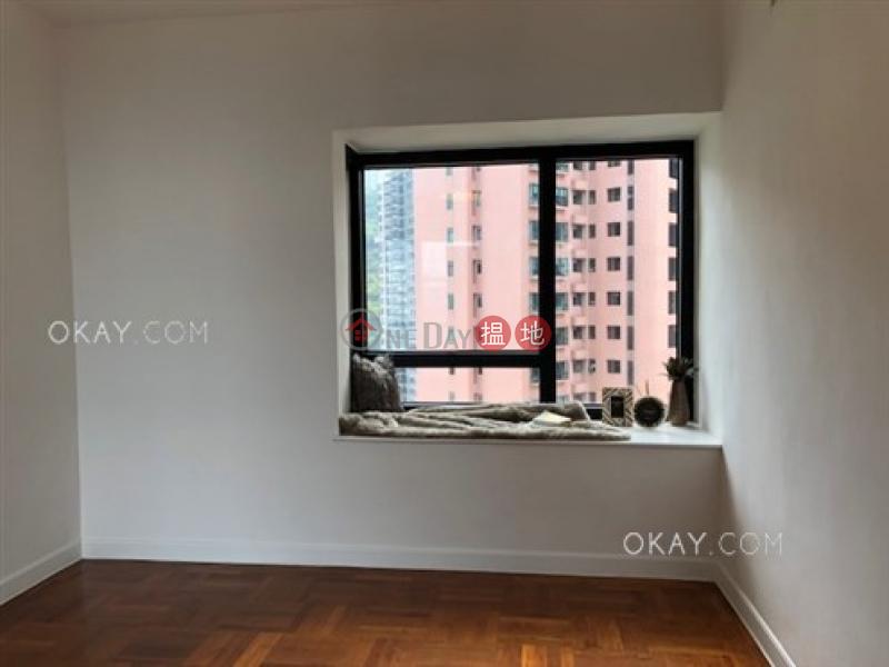 Gorgeous 2 bedroom on high floor with balcony & parking | Rental | Queen\'s Garden 裕景花園 Rental Listings