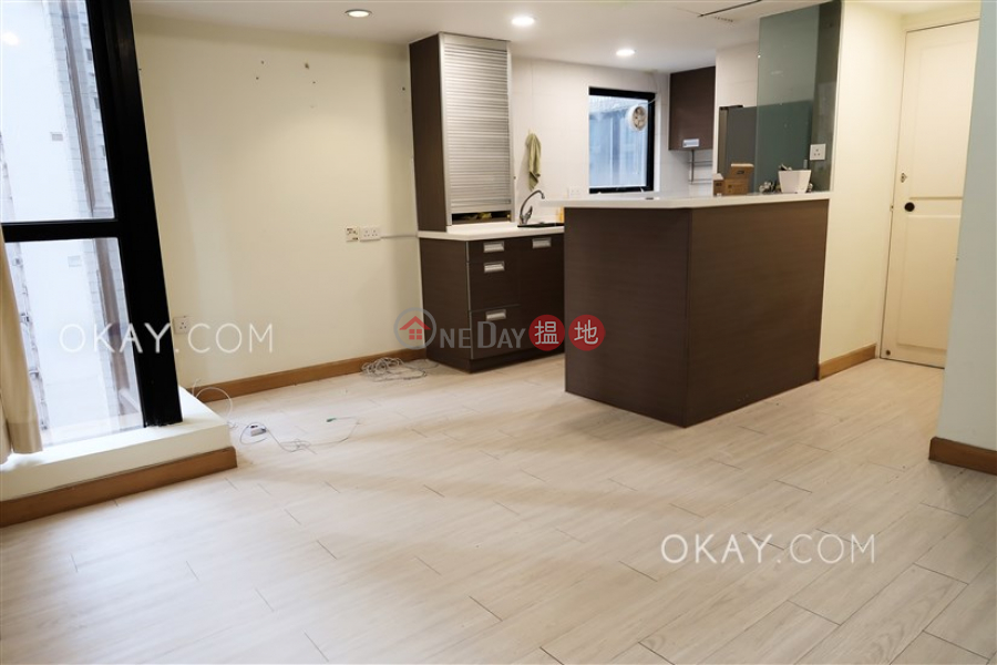 Popular 1 bedroom with parking   For Sale   Claymore Court 嘉樂居 Sales Listings