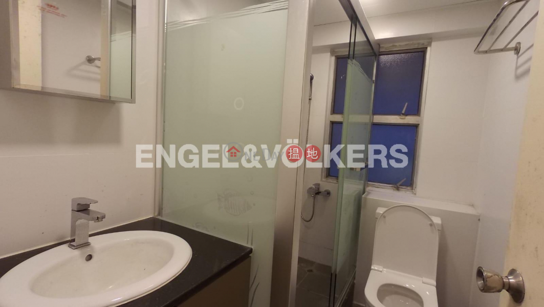 HK$ 30,000/ month | Grand Court | Western District | 2 Bedroom Flat for Rent in Sai Ying Pun