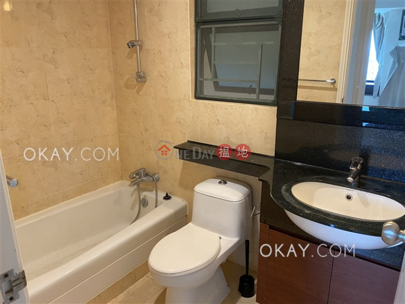 HK$ 32,000/ month, Discovery Bay, Phase 13 Chianti, The Barion (Block2) Lantau Island Rare 3 bedroom on high floor with sea views & balcony | Rental