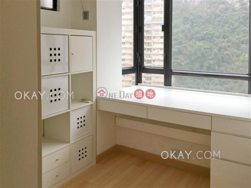 HK$ 26,000/ month Vantage Park | Western District, Cozy 2 bedroom in Mid-levels West | Rental