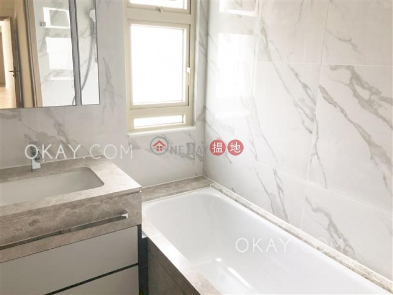HK$ 85,000/ 月 勝宗大廈 中區3房2廁,連車位,露台《勝宗大廈出租單位》