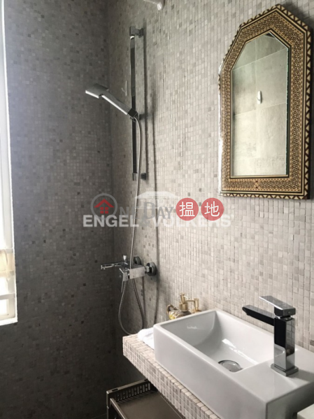 2 Bedroom Flat for Sale in Repulse Bay, Tower 2 37 Repulse Bay Road 淺水灣道 37 號 2座 Sales Listings | Southern District (EVHK40942)