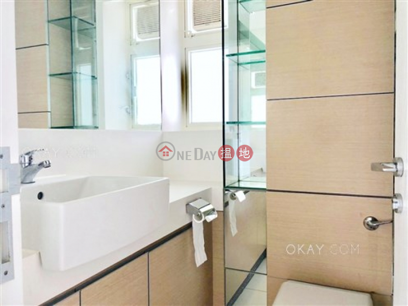 Charming 2 bedroom on high floor with balcony | For Sale, 108 Hollywood Road | Central District | Hong Kong | Sales, HK$ 14M