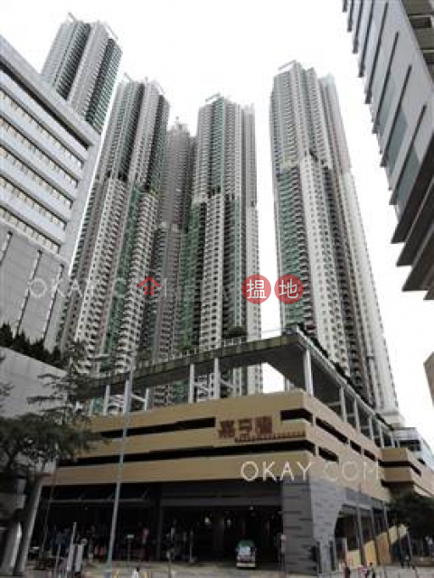 Charming 3 bedroom with balcony | For Sale|Tower 2 Grand Promenade(Tower 2 Grand Promenade)Sales Listings (OKAY-S77408)_0