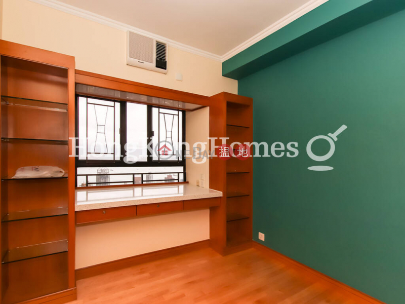 Property Search Hong Kong | OneDay | Residential | Rental Listings | 3 Bedroom Family Unit for Rent at Blessings Garden