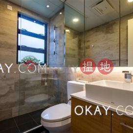 Stylish 3 bedroom on high floor with rooftop & parking | Rental