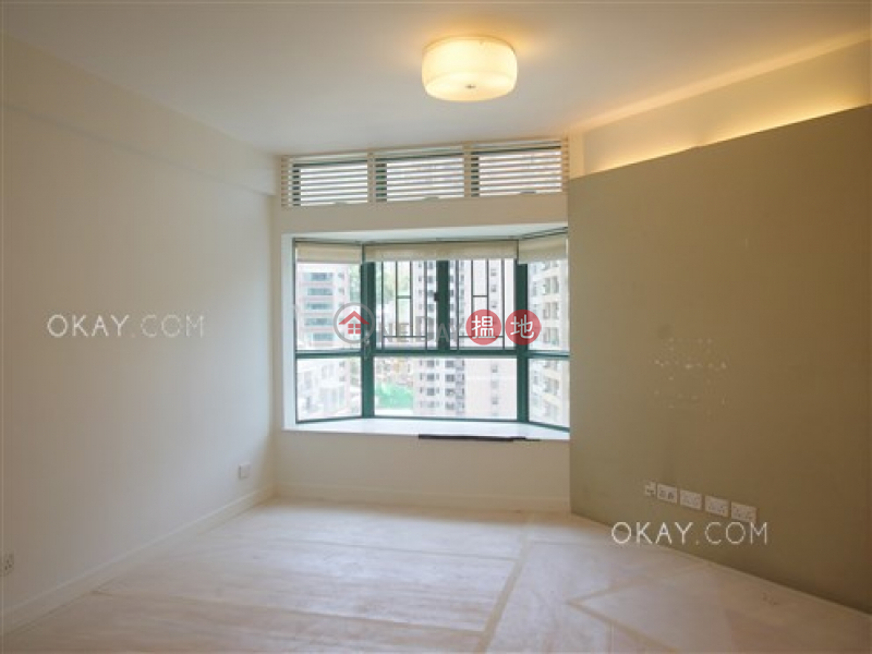 HK$ 30,000/ month, Scholastic Garden | Western District, Cozy 2 bedroom in Mid-levels West | Rental