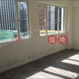 Penthouse with rooftop for sale in Wan Chai|Kin On Building(Kin On Building)Sales Listings (A057837)_0