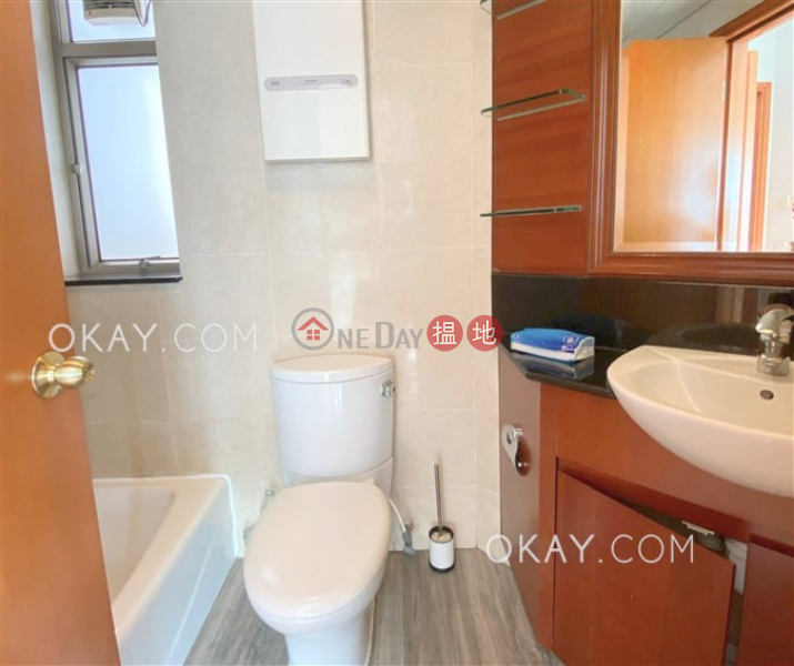 HK$ 28.8M, Sorrento Phase 1 Block 6 | Yau Tsim Mong Rare 2 bedroom on high floor | For Sale