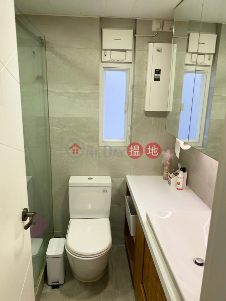 HK$ 15.5M | Chong Yuen, Western District **Rare in Market - High Efficiency with Carpark**Close to Supermarket**Quiet but Convenient**
