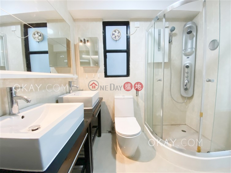 HK$ 45,000/ month | Richery Garden | Wan Chai District | Charming 3 bedroom with parking | Rental