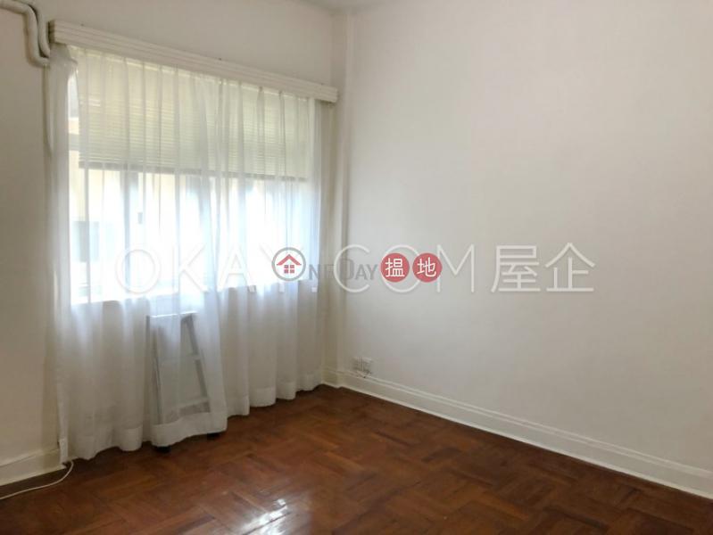 HK$ 2,100萬愉苑灣仔區-2房2廁,實用率高,露台,馬場景愉苑出售單位