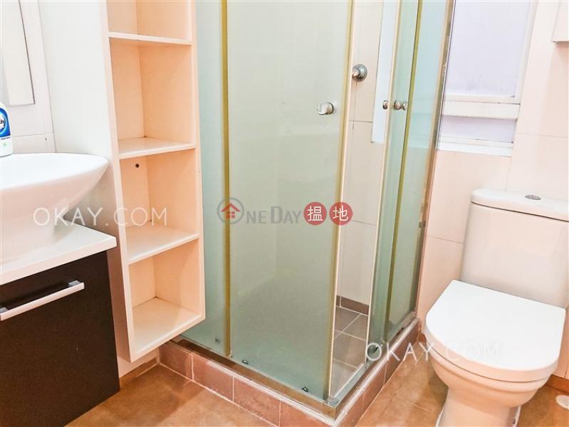 3房2廁,實用率高,連車位,露台《滿輝大廈出租單位》|滿輝大廈(Moon Fair Mansion)出租樓盤 (OKAY-R71476)