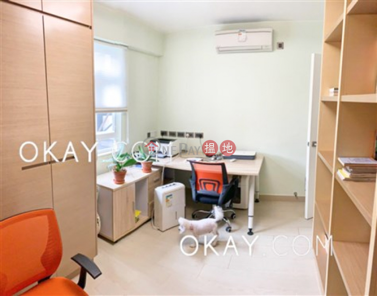 Gorgeous 4 bedroom with parking | For Sale | Everwell Garden 常康園 Sales Listings