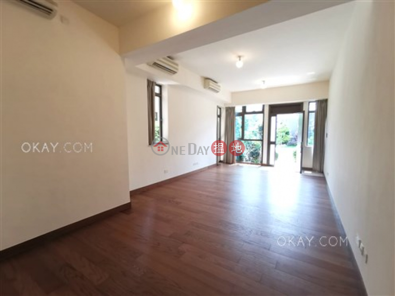 Luxurious house with balcony & parking | For Sale | Jade Grove 琨崙 Sales Listings