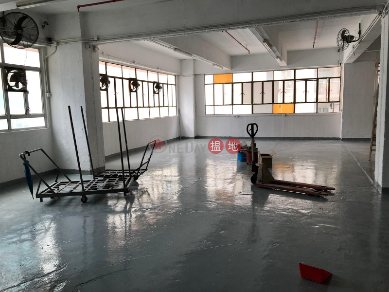 高樓底,可入櫃,近地鐵8華星街 | 葵青香港出租|HK$ 32,000/ 月