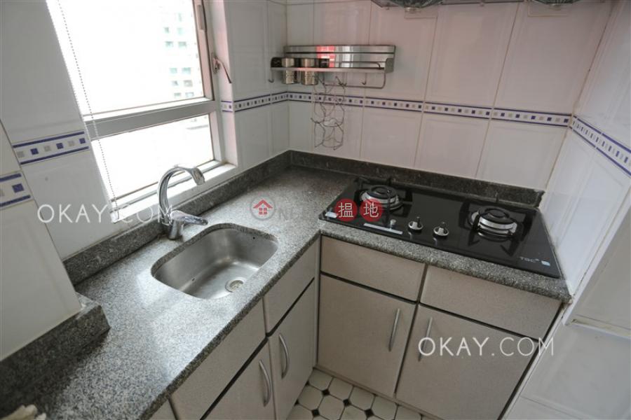 香港搵樓|租樓|二手盤|買樓| 搵地 | 住宅出售樓盤2房1廁,極高層,露台《金珀苑出售單位》