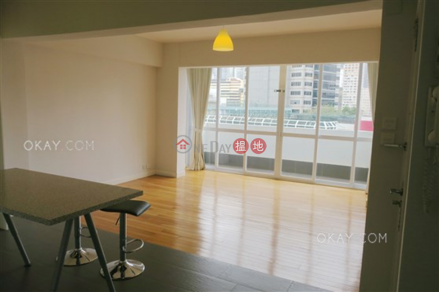 Unique 2 bed on high floor with racecourse views | For Sale | Sports Mansion 好運大廈 Sales Listings