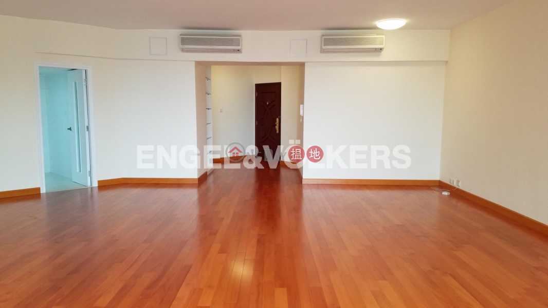 HK$ 108,000/ month Tregunter Central District 3 Bedroom Family Flat for Rent in Central Mid Levels