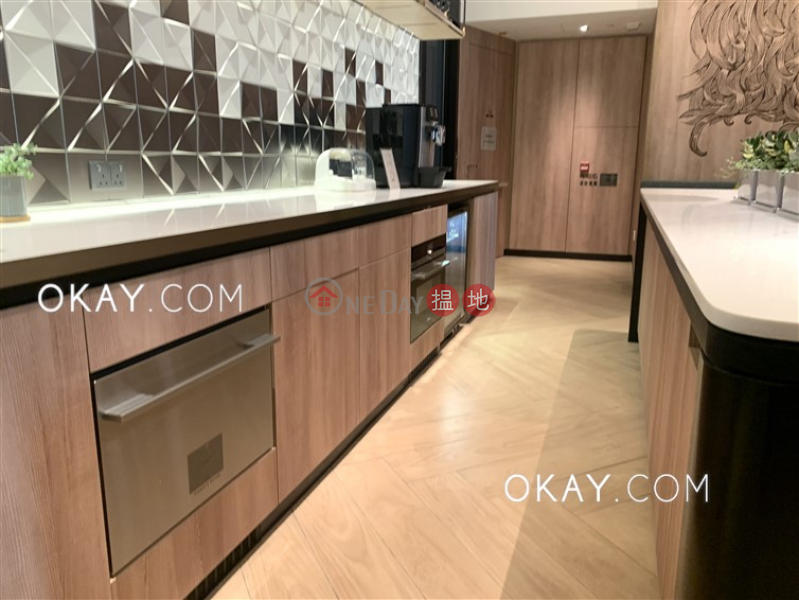 Stylish 3 bedroom on high floor with balcony | Rental | On Fung Building 安峰大廈 Rental Listings