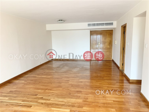 Efficient 3 bedroom with balcony & parking | Rental|Haddon Court(Haddon Court)Rental Listings (OKAY-R11773)_0
