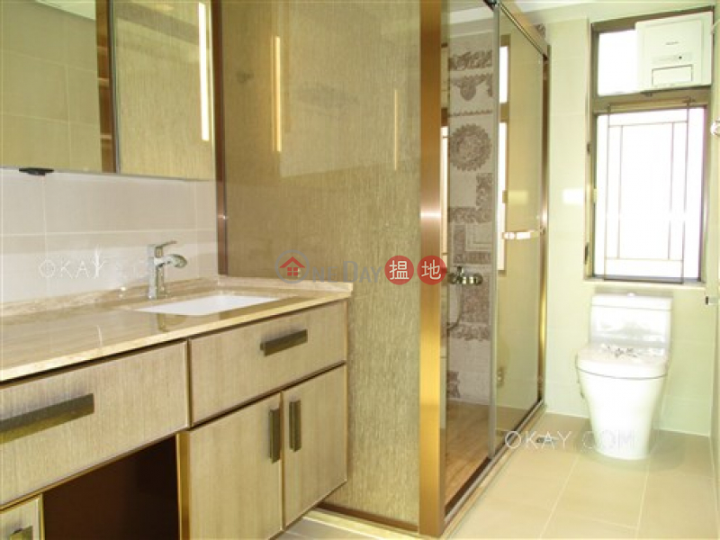 Lovely 3 bedroom with balcony & parking | Rental | Winfield Building Block C 雲暉大廈C座 Rental Listings