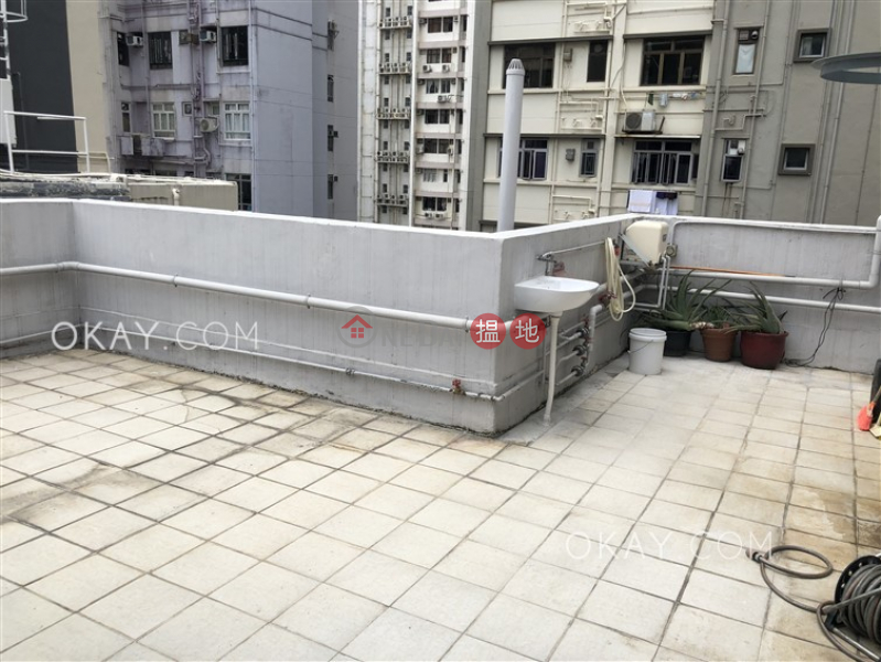 Charming 2 bedroom on high floor with rooftop | Rental | 23 King Kwong Street 景光街23號 Rental Listings
