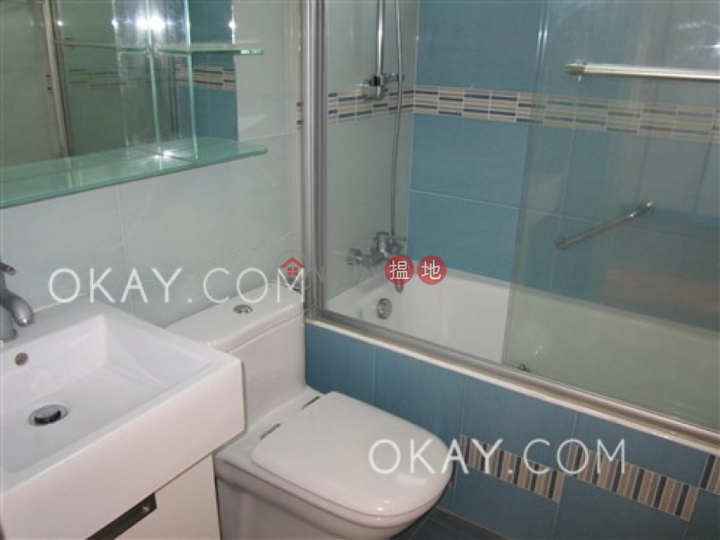 3房2廁,連車位《裕仁大廈A-D座出售單位》|裕仁大廈A-D座(Y. Y. Mansions block A-D)出售樓盤 (OKAY-S53306)